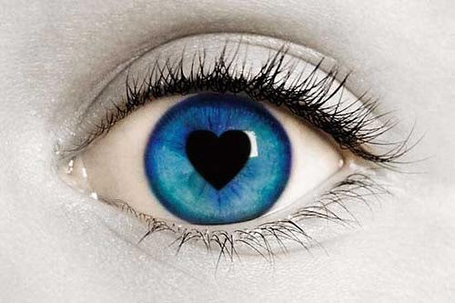 image des yeux d'amour